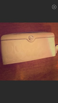 Coach White and pink leather wallet Rock Hill, 63119