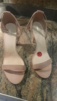 Women sandals .size 10 Ottawa, K2B 8H2