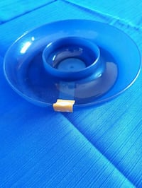 blue plastic container with dip centre Barrie, L4M 6M4