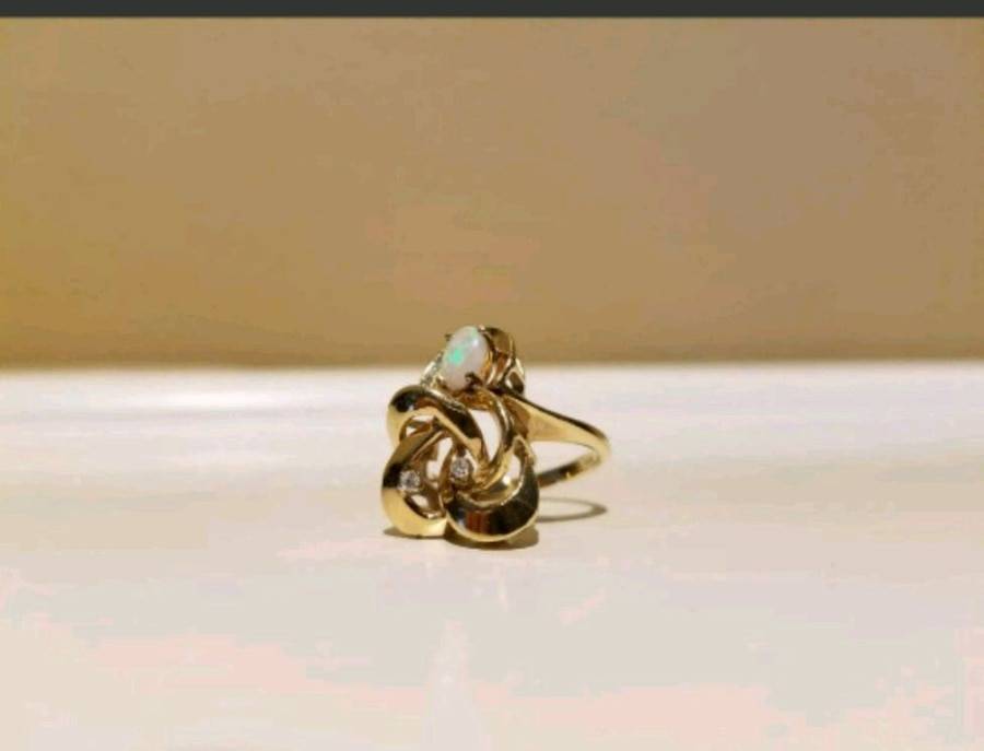 Photo 14 kt Gold Diamond and Opal Ring