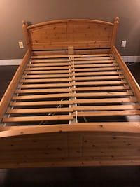 real wood bed frame Delta, V4E