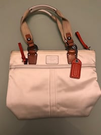 Coach handbag white  Richmond, V6V 0B1