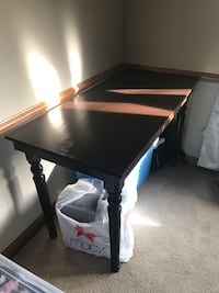 Brown wooden rectangle table Indianapolis, 46256