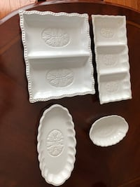 White serving platters. Sold as set, Great condition! Toronto