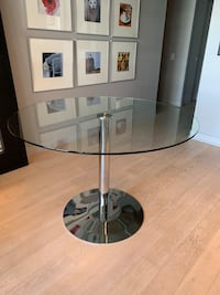 Glass Dining Table Toronto, M4M 0A4