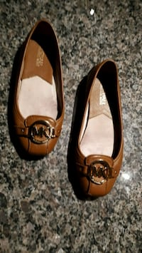 Michael Kors Tan Shoes Toronto, M5V