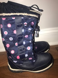 Lands End girl snow boots like new. Negotiable Garfield, 07026