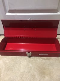 rectangular red Mastercraft metal case Vaughan, L6A