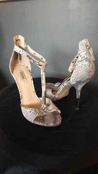 Shoes Guess Stappy Heels Worn Once Sz 9 Tempe, 85281