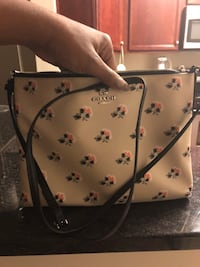 Cute coach purse Capitol Heights, 20743