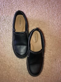 Pair of black leather loafers Centreville, 20121
