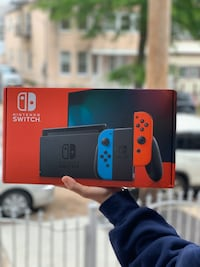 Nintendo Switch Console with Neon Blue & Red Joy-Con 32gb