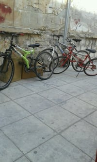 mountain bike verdi e nere Palermo, 90135