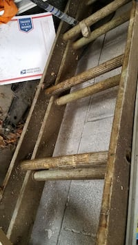 brown aluminum ladder Struthers, 44471
