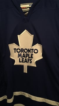 Black and white toronto maple leafs shirt Vaughan, L6A 1H2