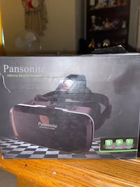 Virtual Reality Headset w/ Controller
