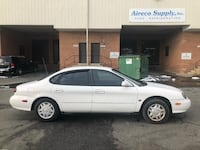 Ford - Taurus - 1999 Oxon Hill, 20745