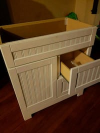 white wooden crib with storage Chicago, 60644