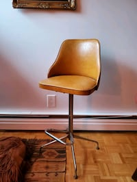 Vintage leather bar stool  Toronto, M5A 4H2
