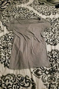 gray crew-neck t-shirt American Eagle Burnaby, V3N 2Y2