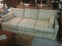 Nice couch Strawberry Plains, 37871