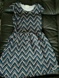 blue, white, and brown chevron dress Calgary, T2E 3S7