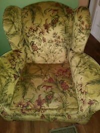 green and brown floral sofa chair Summerville, 29483