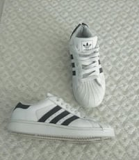 Adidas size 4.5 youth , 6.5 ladies or 7