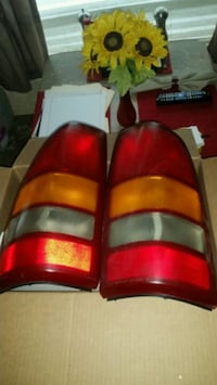 99-04 silverado 1500 tail lights 10ea Lakeland, 33805