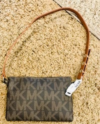 Michael Kors wristlet- BRAND NEW- PRICE REDUCED Del City, 73115