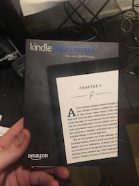 Kindle paper white new in box  Sparks, 89431