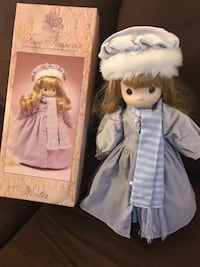 Precious moments winter porcelain doll East Dundee, 60118