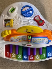 Fisher Price Laugh-n-Learn electric Piano