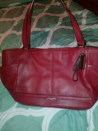 red leather 2-way handbag Redford Charter Township, 48240