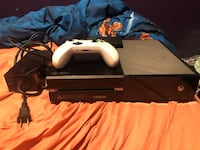 Xbox one with controller and 1tb external hard drive New York, 11207