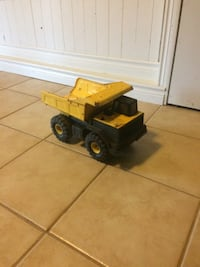 black and yellow dump truck toy Zorra, N0J 1J0