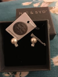 New earrings Swarovski and pearl so beautiful Toronto, M1V 1A9