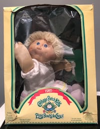 Original 1985 cabbage patch doll and book Nanaimo, V9T 2N6