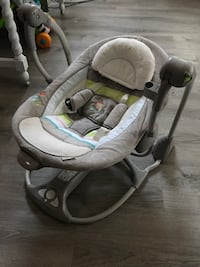 Ingenuity! New baby portable/Floor swing! Battery operated, doesn't use a plug Moreno Valley, 92551