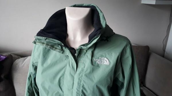 THE NORTH FACE - WOMEN'S HY-VENT JACKET (Ladies Size 10 / Small) - Great Condition