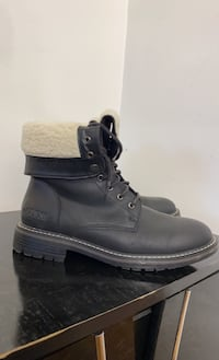 Black leather guess combat boot