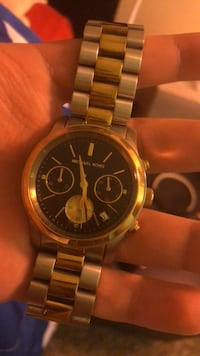 round gold-colored chronograph watch with link bracelet Beaverton, 97005