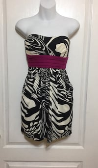 Black & White Print Pocket Dress: Size Small Brampton, L7A