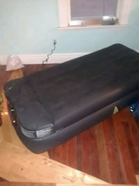 Air mattress with motor London, N6C 3H7