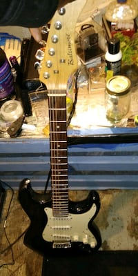 brown and black electric guitar Westerville, 43081
