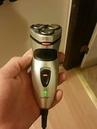 Smart shave rechargeable  Madison, 53704