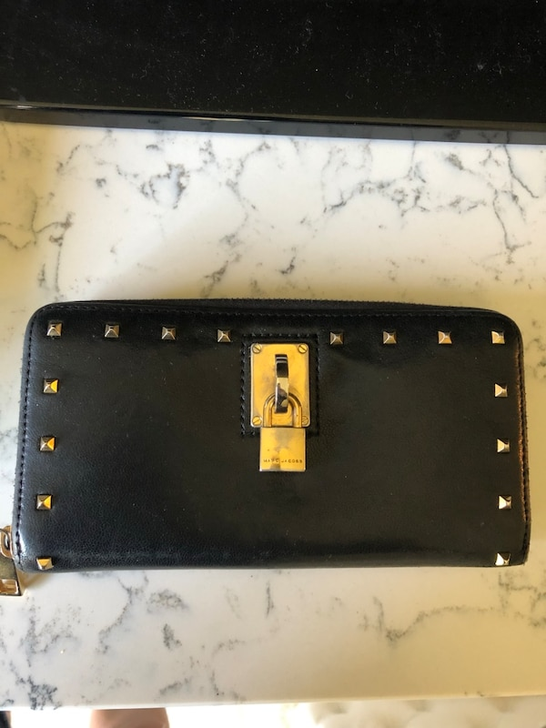 Marc Jacob's leather studded wallet 0