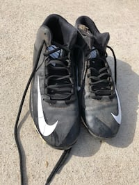Pair of black-and-white nike basketball shoes Anaheim, 92804