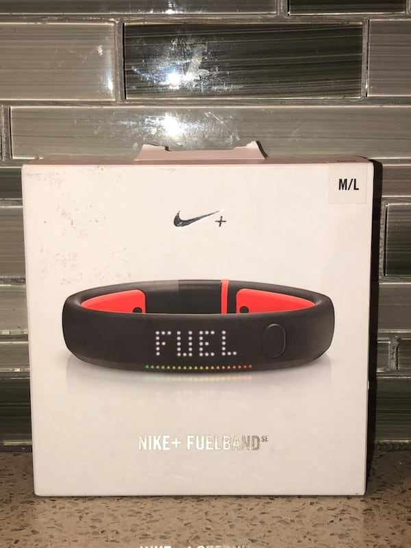Nike Fuelband Second Edition Fitness Bluetooth Tracker 8d96a3ab-a96d-445a-bfa1-270bef66c407