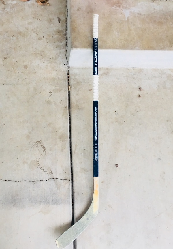 Easton hockey stick youth